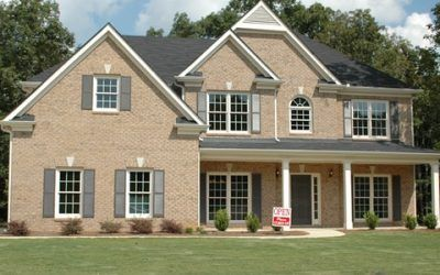¿Qué hacer con los contratos de luz y gas después de vender una propiedad?