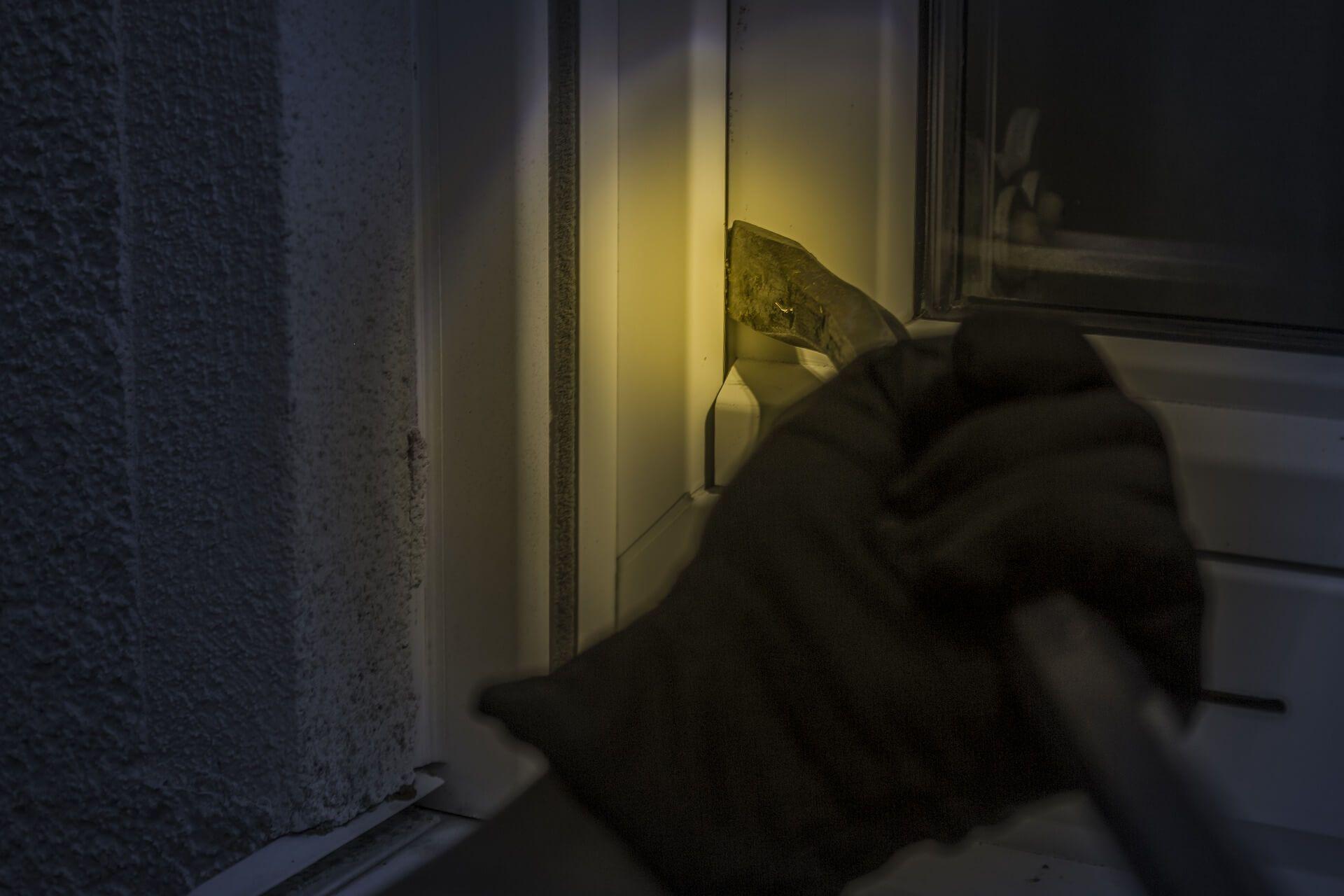 Cómo proteger tu hogar de okupas, añadiendo medidas de seguridad, tecnología etc
